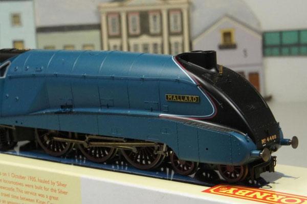 画像3: 鉄道模型 HORNBY ホーンビィ R2339 LNER blue class A4 マラード号 蒸気機関車 ooゲージ