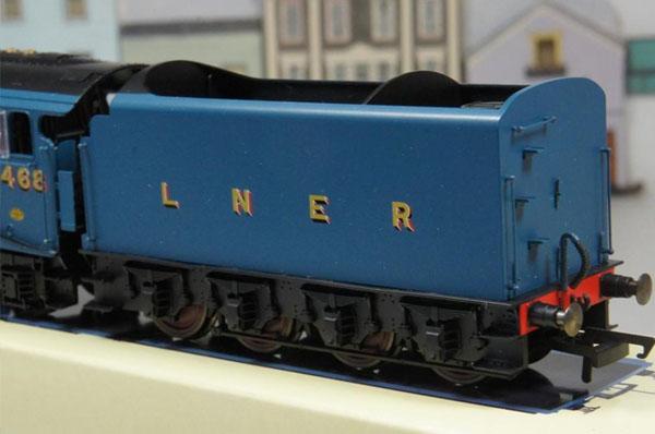 画像2: 鉄道模型 HORNBY ホーンビィ R2339 LNER blue class A4 マラード号 蒸気機関車 ooゲージ