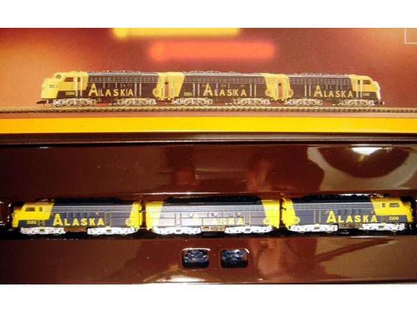 画像1: 鉄道模型 メルクリン Marklin 8819 ミニクラブ mini-club アラスカ鉄道 F7ディーゼル機関車 Zゲージ