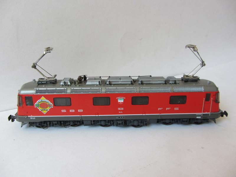 画像2: 鉄道模型 ハグ HAG 097 Re 6/6 電気機関車 コンテナ貨物セット 50周年限定品 HOゲージ