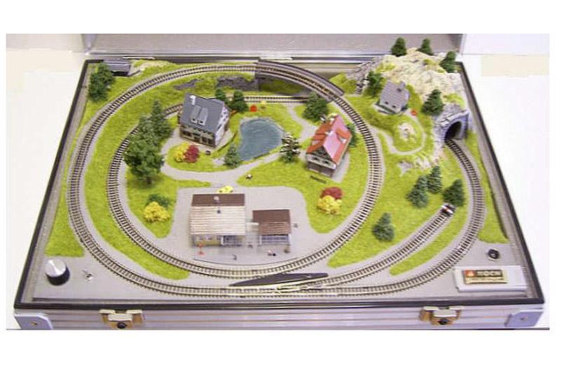 """画像2: 鉄道模型 ノッホ NOCH 88101 Zゲージ ブリーフケース トランクレイアウト """"ブルメナウ Blumenau"""" 50x37cm"""